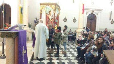 """El Obispo presidió una misa por los desaparecidos y fallecidos del """"Repunte"""""""