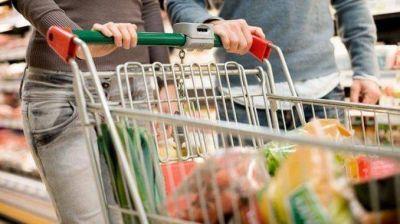 El consumo no repunta: cayó 8,9% en shoppings y 1,7% en supermercados El consumo sigue en caída libre