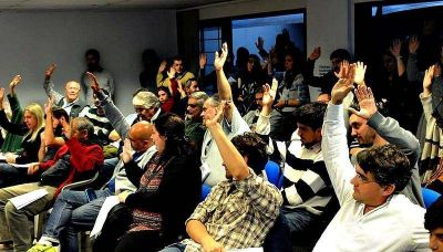 Los docentes universitarios de La Plata votaron por el NO inicio del segundo cuatrimestre