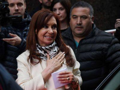 Cristina quiere a un núcleo duro molestando en los distritos