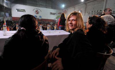 Saintout armó un acto con un sector de Quebracho para desafiar a Bruera