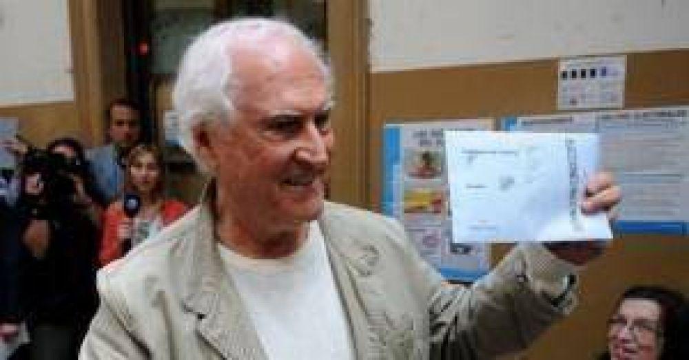 Pino Solanas confirmó su candidatura a senador por el frente Creo