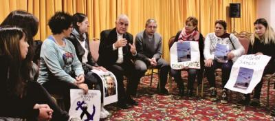 Obispos, facilitadores de reunión entre familiares de náufragos y funcionarios