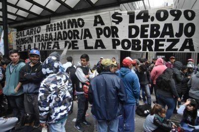 Con rechazo de los gremios, el gobierno nacional decretó un escueto aumento del salario mínimo