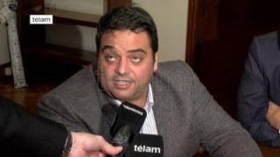 Jorge Triaca oficializó el nuevo salario mínimo en $10.000