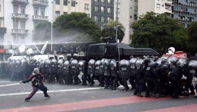 """El massismo pidió """"normalizar el país"""" frente a los piquetes"""