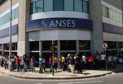 Trabajadores de ANSES llaman al paro nacional tras el suicidio del jubilado