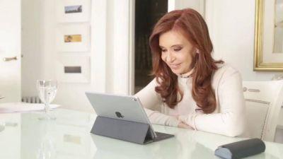 Cristina Kirchner aceptó consejos para el cambio de estilo y llevó su campaña a las redes sociales