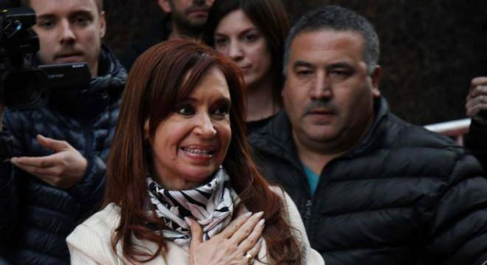 Crisis en el kirchnerismo: Cristina vetó decenas de listas para favorecer a La Cámpora