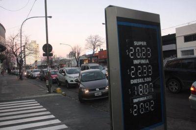 Los platenses explotan de bronca con el fuerte aumento de las naftas