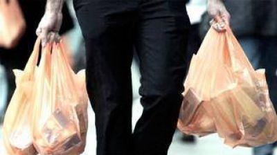 Se evitó el uso de 250 millones de bolsas plásticas con su prohibición de entrega en supermercados
