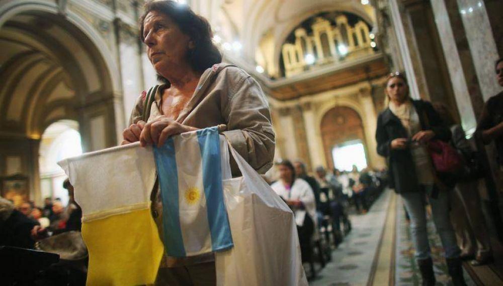 Misa por el día del Pontífice en la catedral porteña
