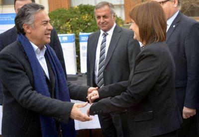 Cornejo se opone a eliminar las PASO en San Carlos