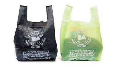 A 6 meses de la prohibición de las bolsas en los súper, la industria plástica se queja