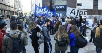 Docentes y estudiantes santafecinos reclamaron la restitución del Plan Progresar