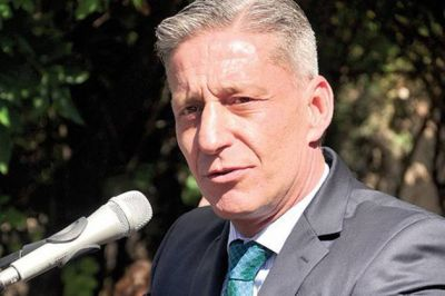 Arcioni también cuestionó la baja del CABIN del Plan Nacional Nuclear
