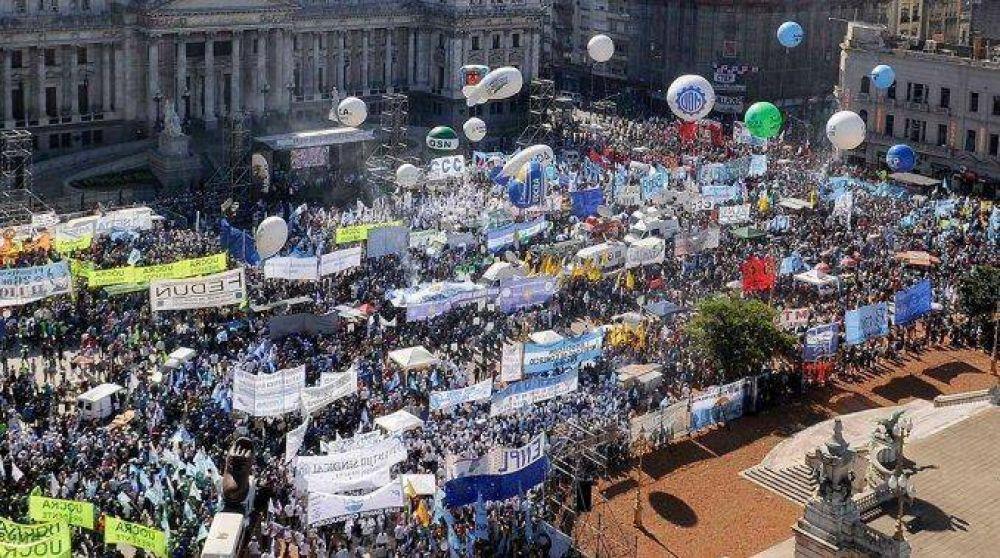 Los gremios del transporte marchan a Plaza de Mayo