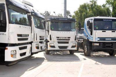 Ante el aumento del combustible, transportistas aseguran que