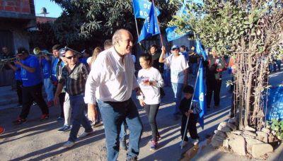 Legisladores visitaron ayer barrio El Chingo