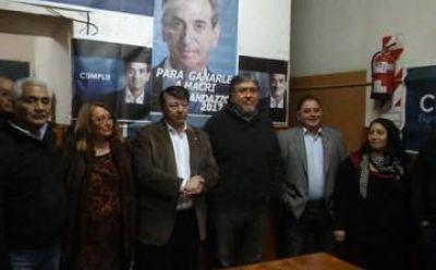 """Con """"Chino"""" Navarro y Doval, lanzaron la lista del randazzismo de Echeverría"""