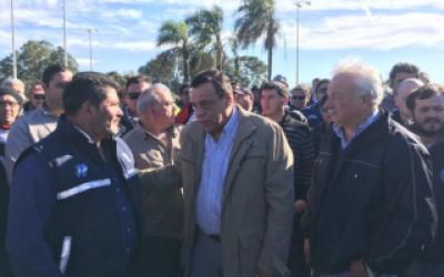 El Intendente de Zárate acompañó a trabajadores despedidos de Atucha, Lanxess y Carboclor