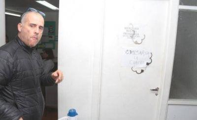 ADOSAC ocupó el CPE y Velázquez quedó sin poder salir de su despacho