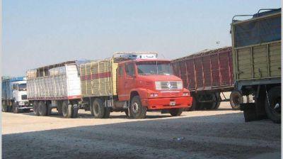 Se exporta menos por camión por los altos costos internos del transporte