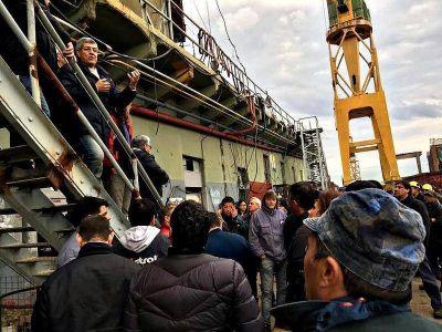 De Gennaro visitó el Astillero Río Santiago y reclamó la creación del Fondo de la Marina Mercante