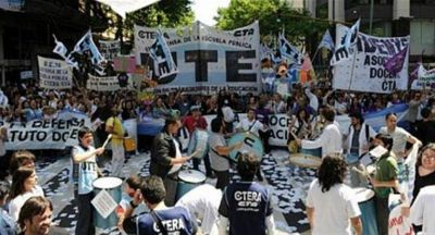 Docentes denuncian que no recibieron una nueva propuesta del gobierno porteño