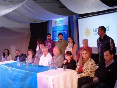 Con fuertes críticas al gobierno municipal, se presentó esta noche la lista de Unidad Ciudadana