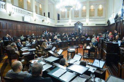 El Frente de Cornejo pierde la mayoría parlamentaria en el Senado