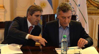 Preocupación en el gobierno por un escándalo de 450 millones que complica a Caputo y Basavilbaso