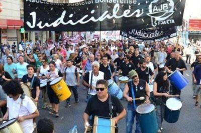 Judiciales comienzan con el paro por 48 horas y movilizan a tribunales federales en La Plata