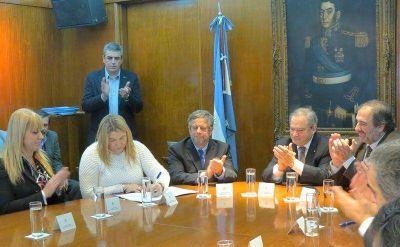 Tierra del Fuego participará de la producción de fármacos para programas nacionales