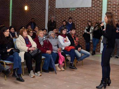 Florencia Casamiquela visitó La Plata y presentó las políticas de género del randazzismo