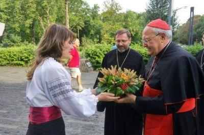 Por encargo del Papa, el Card. Sandri visita zonas de conflicto en Ucrania