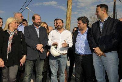 Los precandidatos de Cambiemos San Martín recorrieron obras provinciales en José León Suárez