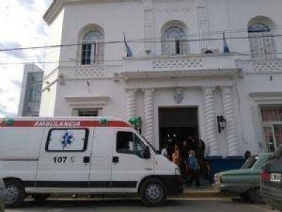 Golpes y escándalo en el Municipio: funcionario le pegó a concejal
