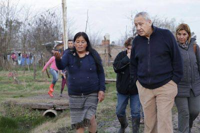 Miguel Prince recorrió la localidad de Olivera