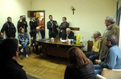 Quejas de opositores por la suspensión de la sesión del Concejo