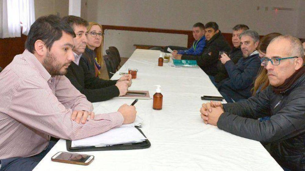 Enrique destacó que la Provincia aceptará todas las instancias de diálogo que den solución al conflicto docente
