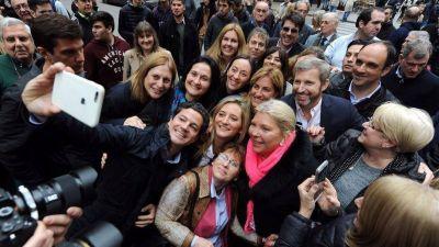 Elisa Carrió fue a Rosario con Rogelio Frigerio y lapidó al socialismo: