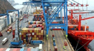 Avisó Gobierno a empresarios que frenará importaciones