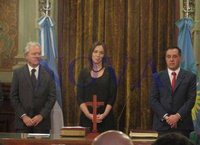 Vidal, con jerga futbolera, le tomó juramento a los nuevos ministros: