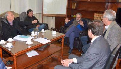Apuap se reunió con ministros