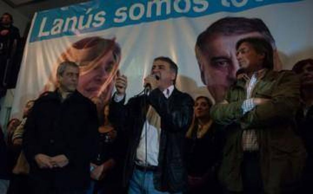 Respaldado por Máximo Kirchner, Unidad Ciudadana presentó su lista en Lanús