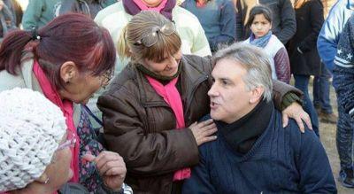 Llaryora sale a la caza del voto no peronista