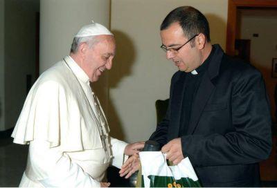 """""""Habemus"""" obispo, el manual del candidato, y Arroyo grita Cambiemos"""