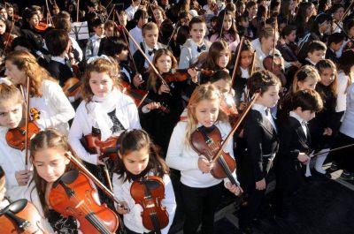 Matrimonios cortos, viene Les Luthiers y vuelve la Orquesta Infanto Juvenil
