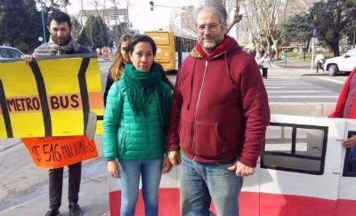 """""""El Metrobus es un vereda en el medio de la calle que costará 516 millones de pesos"""""""